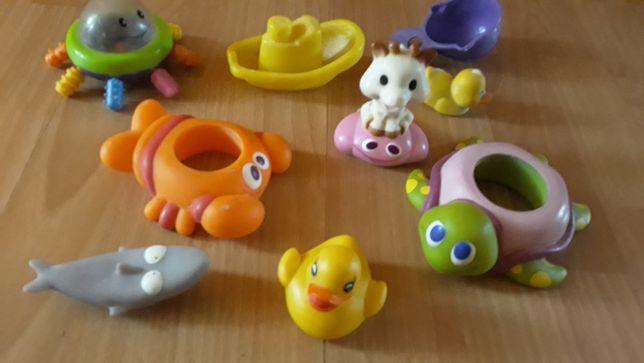 Продам игрушки для купания ванной