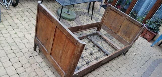 Zabytkowe łóżko dębowe do renowacji