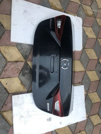 Mazda 3 крышка багажника