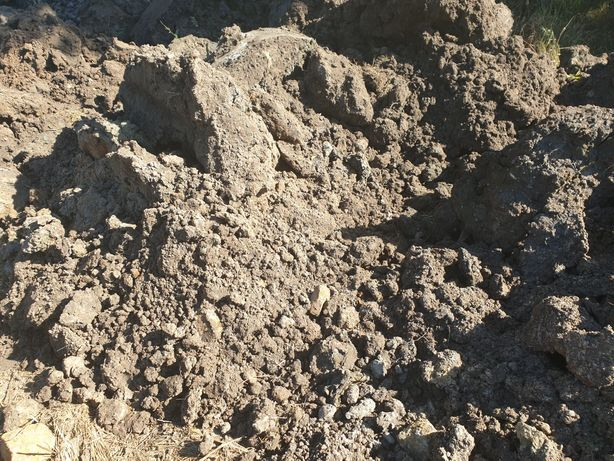 Ziemia z wykopu glina wyrównanie terenu