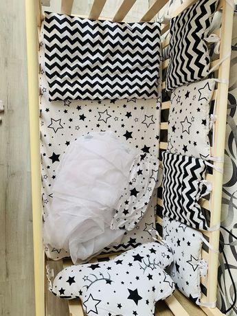 Детская кроватка и все к ней