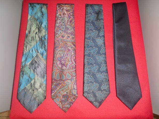 4 gravatas muito boas, praticamente novas (2 italianas e uma inglesa).