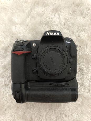 Lustrzanka cyfrowa Nikon D300 body + grip MB-D10