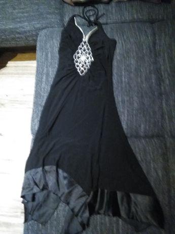 Sprzedam sukienke rozmiar 38 czarna