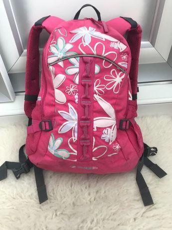 рюкзак для девочки с анатомической спиной