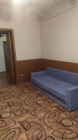 Продам  квартиру в центрі, вул. Ломоносова