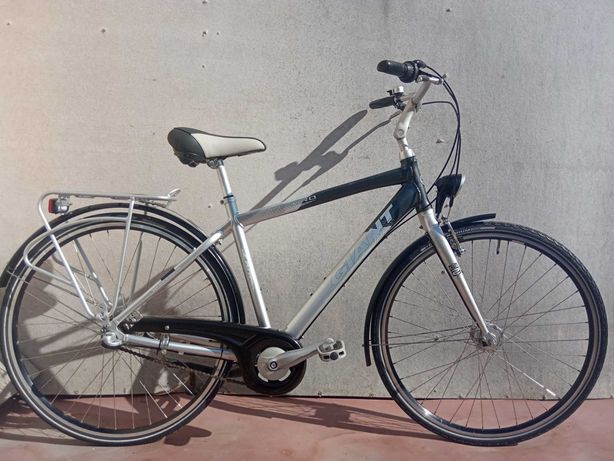 """Велосипед алюмінієвий GIANT, колеса 28"""", планетарка NEXUS 3. Динамо"""