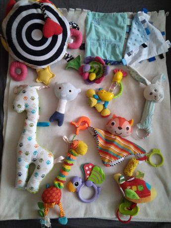 Zabawki dla dziecka gryzaki zawieszki do wózka grzechotka