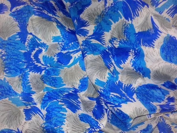 Tkanina niebieska wzorzysta