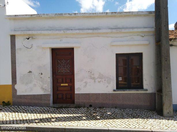 Moradia T2 Isolada - Setúbal