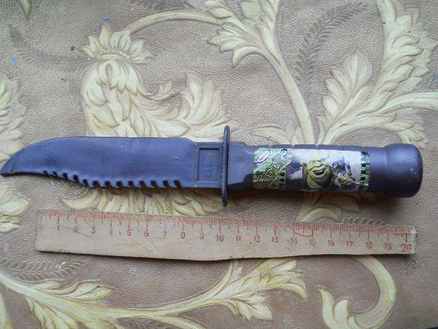 Пластмассовый игрушечный нож