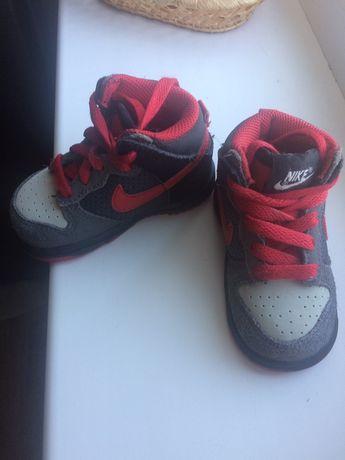 Кроссовки деми Nike