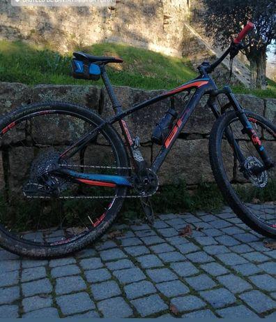 BH ultimate carbono BTT roda 29