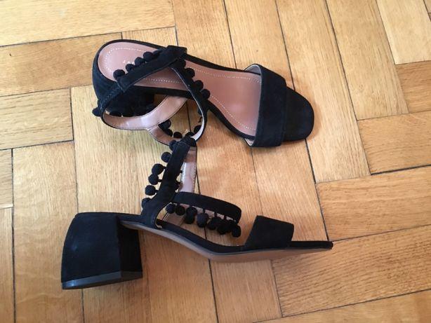 Sandały Zara pompony 37