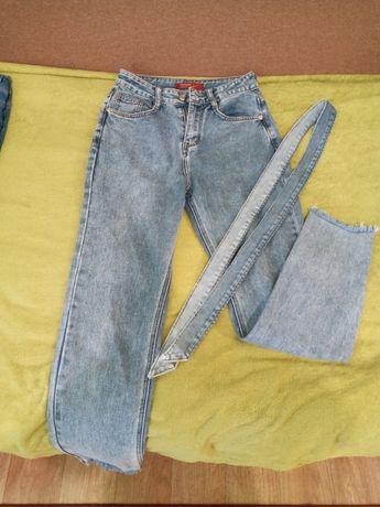 Моднявые джинсы  mom.
