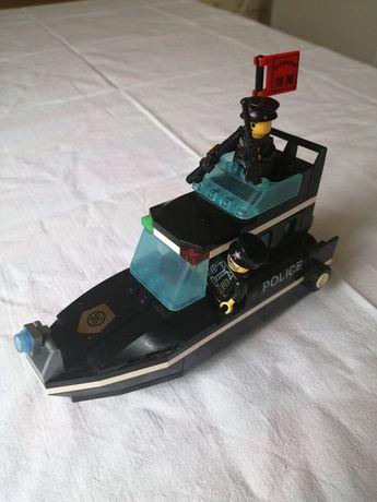 Конструктор типа Лего Brick 130 полицейский катер