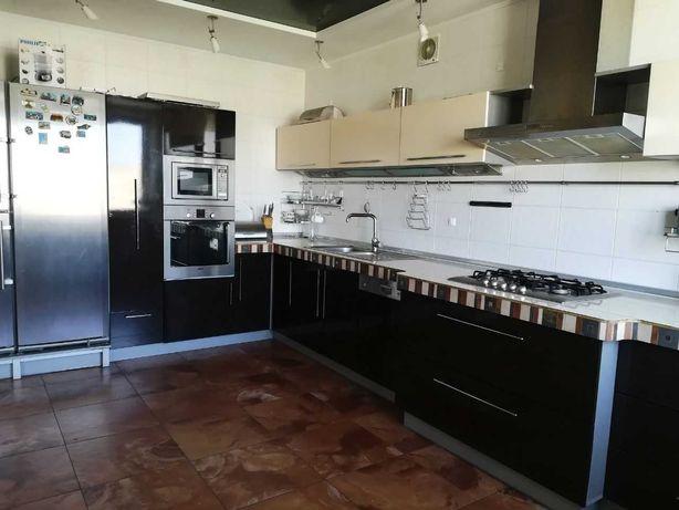 Фасады кухонные  пленка коричневые и кремовые
