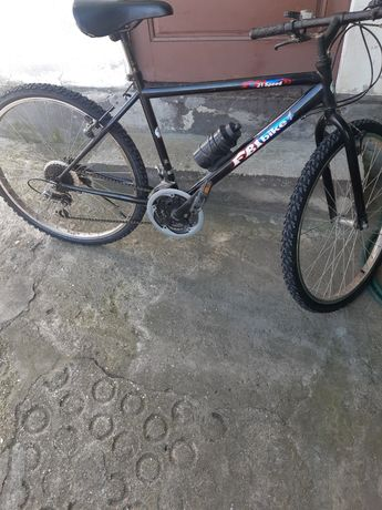 Vendo bicicleta com pneus e cameras novos