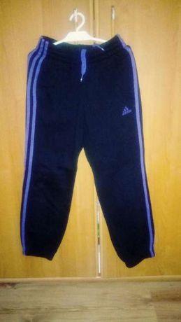 Spodnie dreowe Adidas rozmiar s 140 cm czarne