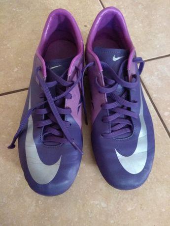 Korki Nike rozm 37,5