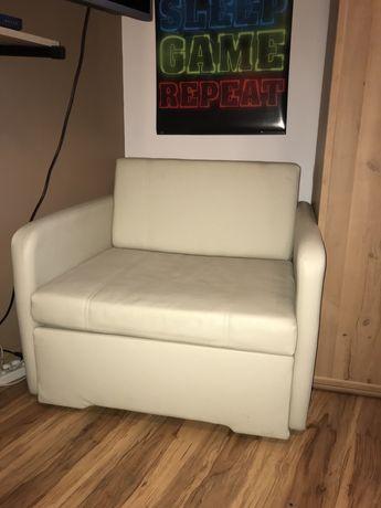 Fotel rozkaldany w łóżko