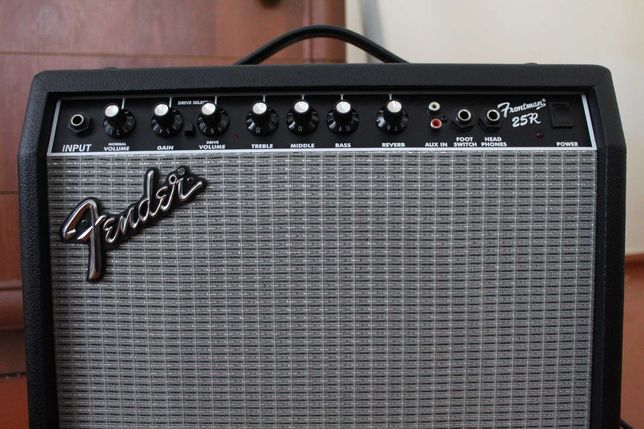 Комбопідсилювач Fender Frontman 25R