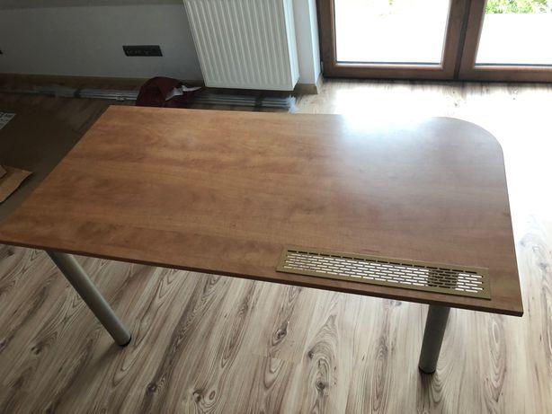 Biurko z wysuwaną półka na klawiaturę