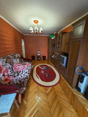 Продам квартиру під бізнес,три вікна на дорогу,або обмін на 3-кімнатну