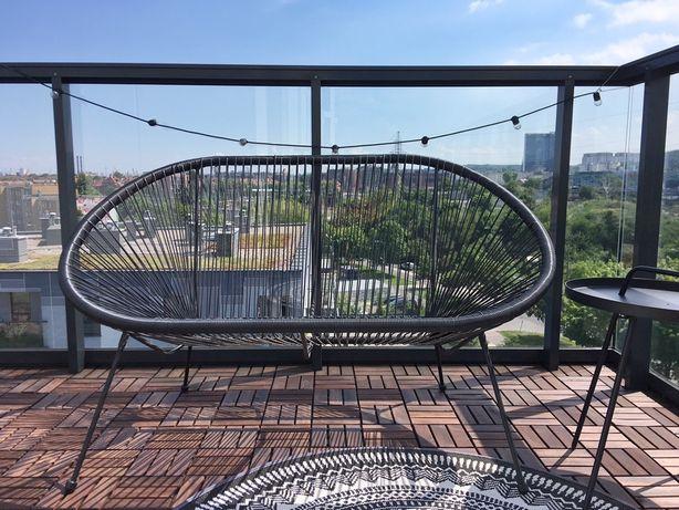 Sofa UBBERUP czarny Jysk na balkon/taras