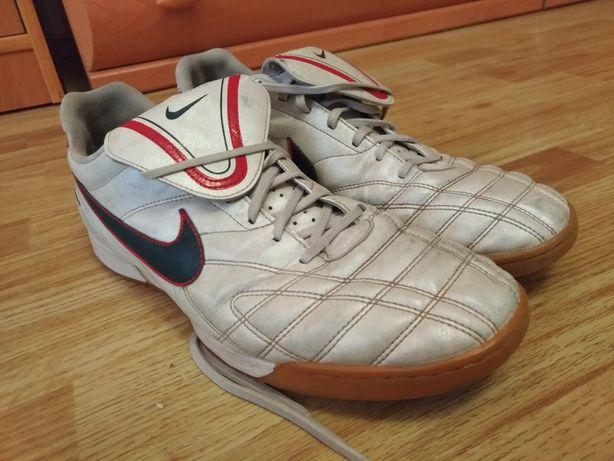 Футзалки Nike Tiempo 44р(29см)