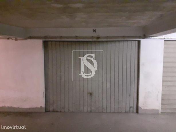Garagem em Meadela