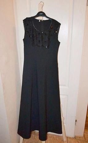 długa sukienka czarna