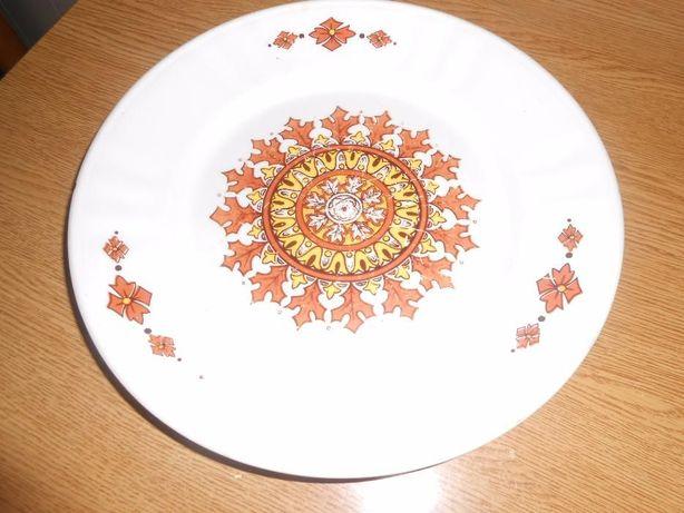 pratos da fábrica de louça de sacavem