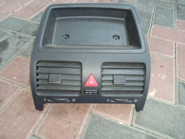 Дефлектор центральний Фольксваген Гольф 5 Дефлектор Volkswagen golf V