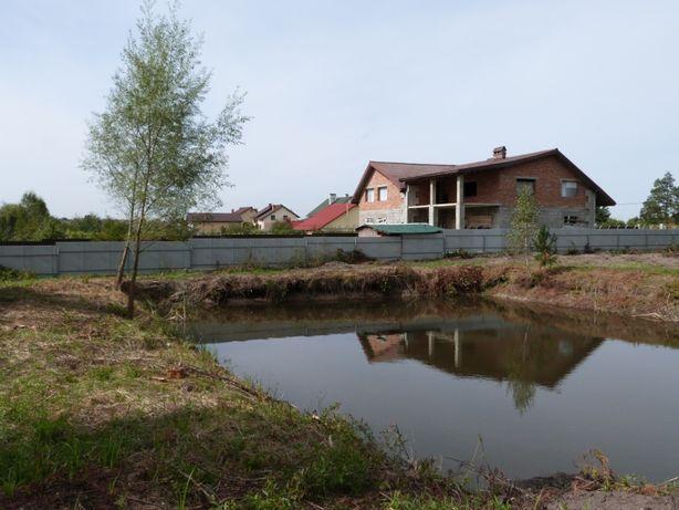 Продам земельну ділянку смт.Шкло під забудову 30 сотиків з озером