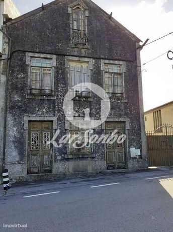 Moradia para restaurar, junto ao Santuário do Sameiro.