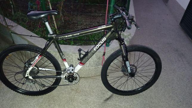 Bicicleta focus como nova roda 26 travões hidráulicos