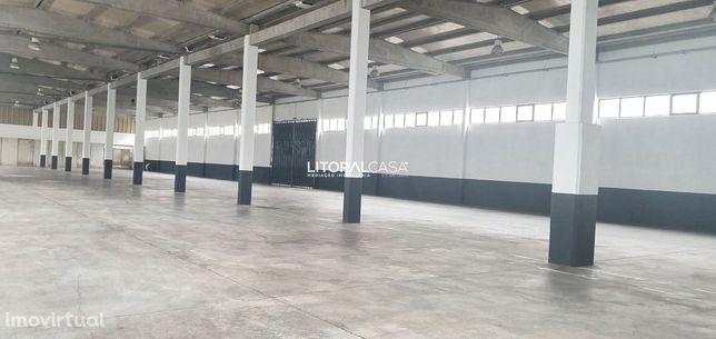 Armazém com 2.000 m2 - Arrendamento