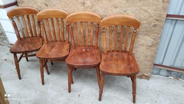 Komplet 4 krzeseł drewnianych