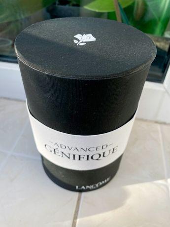 Круглая коробка под подарок или для рукоделия черная