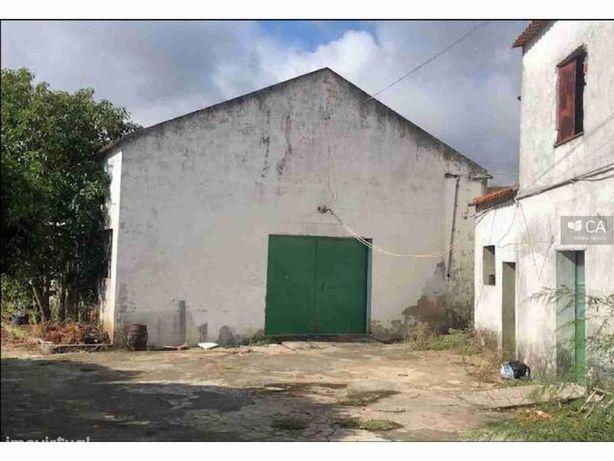 Armazém, Anexos E Logradouro (Antiga Fabrica De Velas) Em...