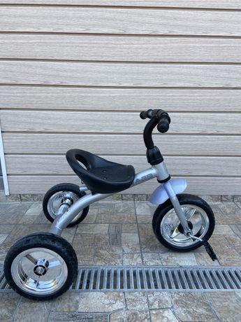 Велосипед детский трех-колесный