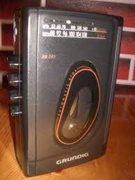 Leitor de cassetes com rádio