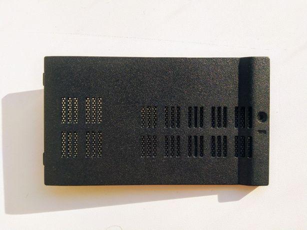 сервисный лючок люк / Сервисная крышка - eMachines e627 e625