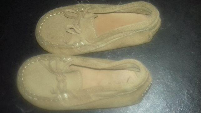 Sapatos vela em camurça beje zara