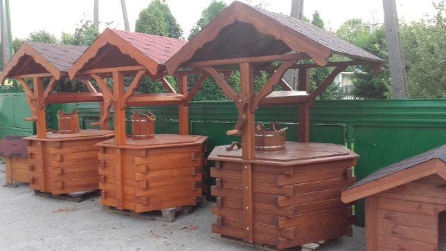 studnia ogrodowa,studnia drewniana,obudowa