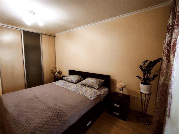 Посуточно Черемушки  2 комнатная квартира на ул Ак. Филатова 53