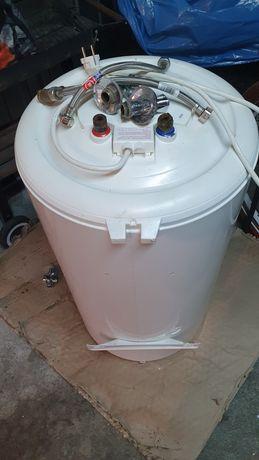 Bojler elektryczny 80 litrów+ 2 węże i zawory.