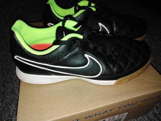Halówki Nike Tiempo