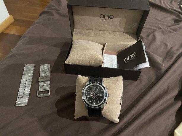 Relógio ONE Master Box OG5743IC52L c/caixa, 2 bracelete 100% funcional
